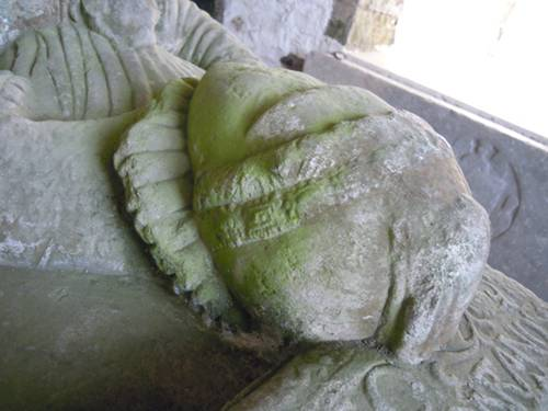 Effigies of Sir Christopher Barnewall and Marion Sharl - detail